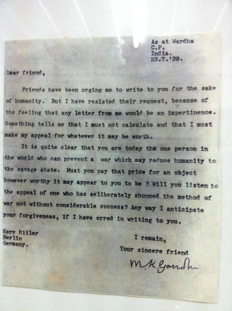 رسالة غاندي إلى هتلر