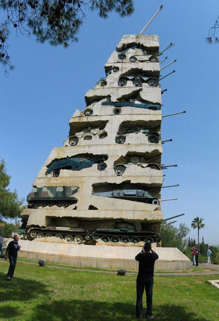 """نصب """"الأمل من أجل السلام"""" في لبنان"""