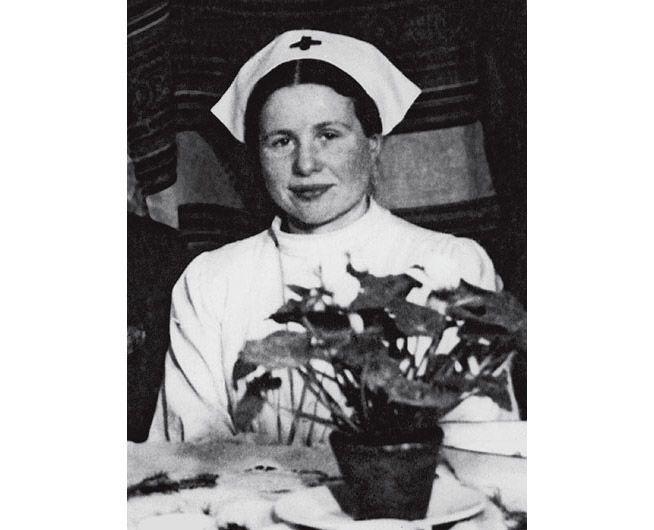 امتهنت (إيرينا سندلر) مهنة التمريض بعد انتهاء فترة الحرب.