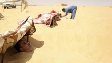 حمامات الرمال الحارة في سيوا بمصر