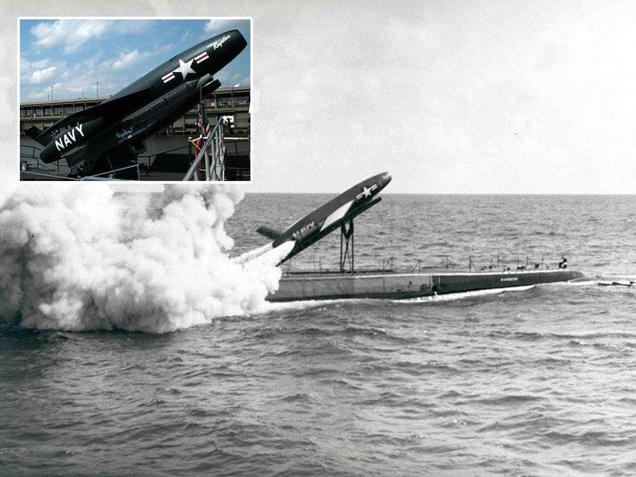 إطلاق صاروخ (ريجولوس 1) من الغواصة USS Barbero في 8 حزيران من 1959