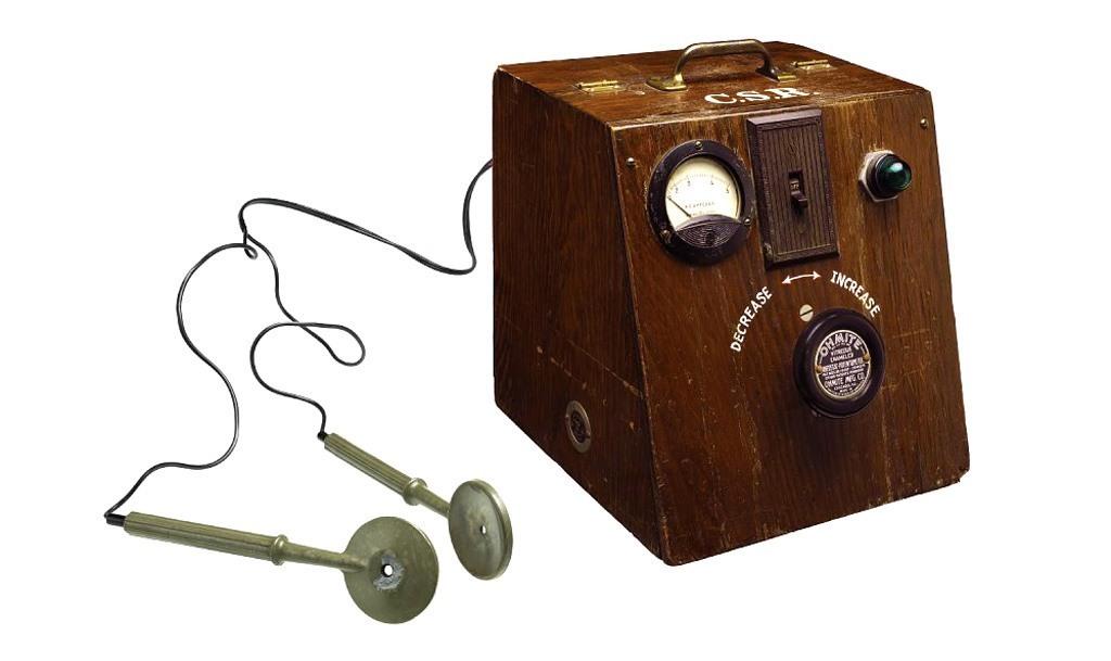 نموذج لجهاز صدمات كهربائية – أربعينيات القرن العشرين