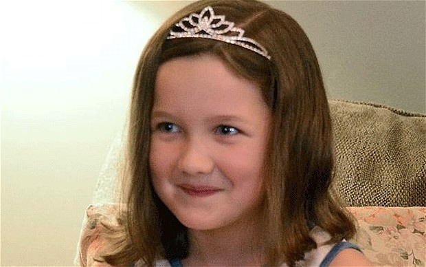 الأميرة (إيميلي هيتون) ذات السبع سنوات.