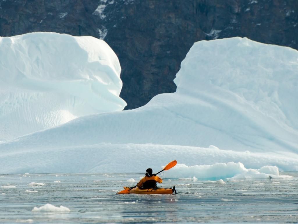 تبلدة لونغييربين في سفالبارد في النرويج أقرب بلدة للقطب الشمالي في العالم.