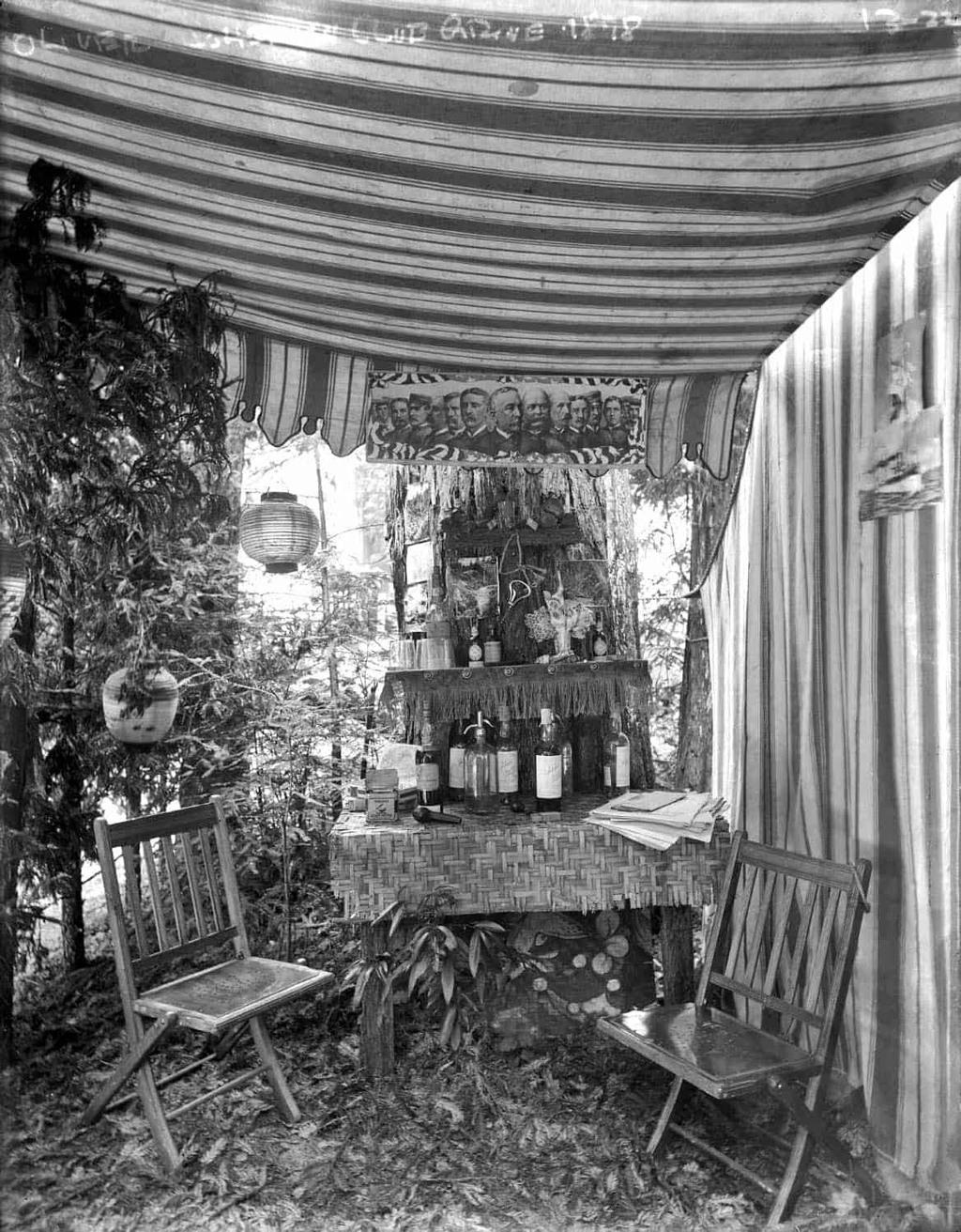 حانة في خيمة، البستان البوهيمي سنة 1878.