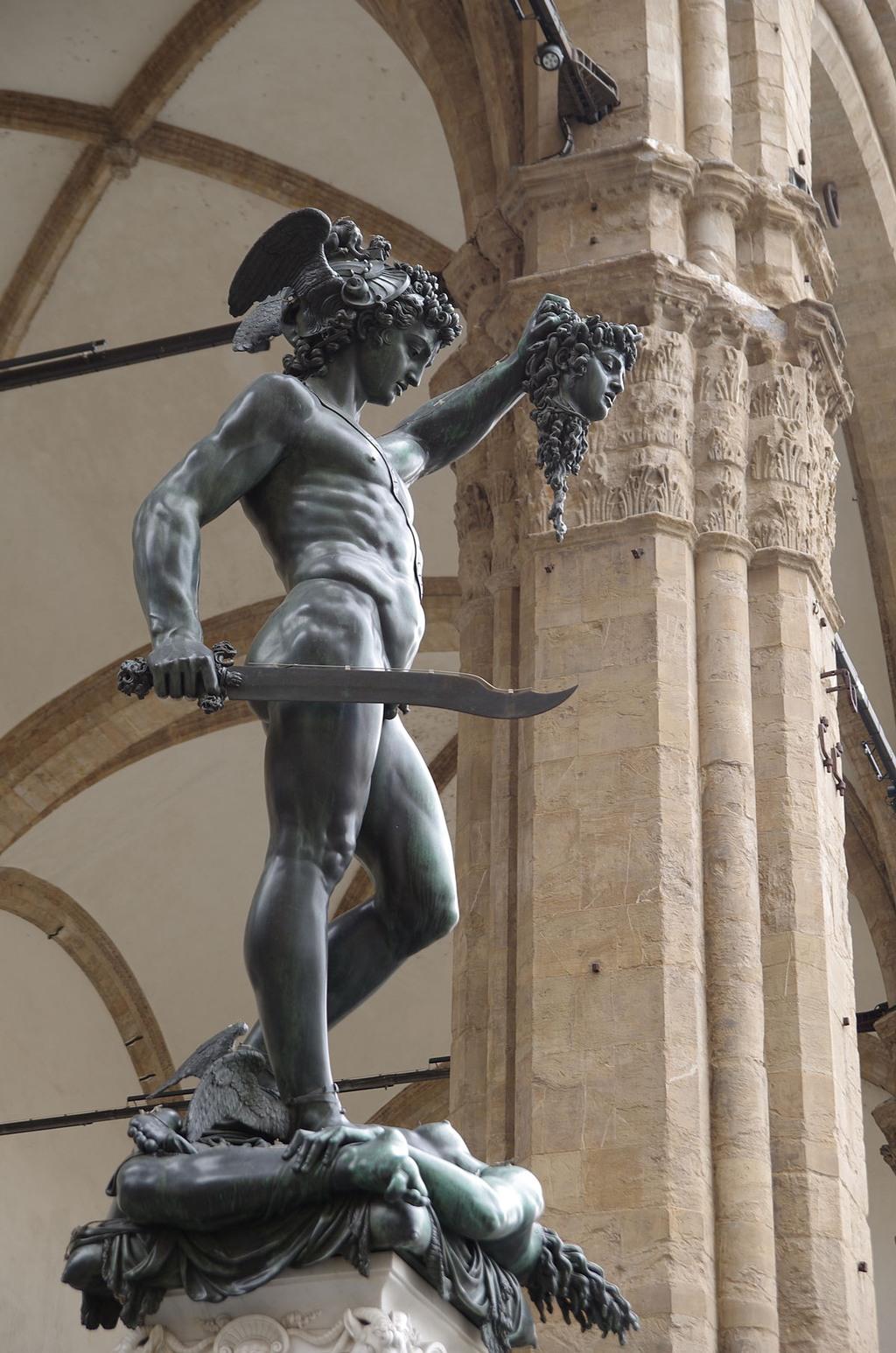 بيرسيوس حاملاً رأس الميدوسا