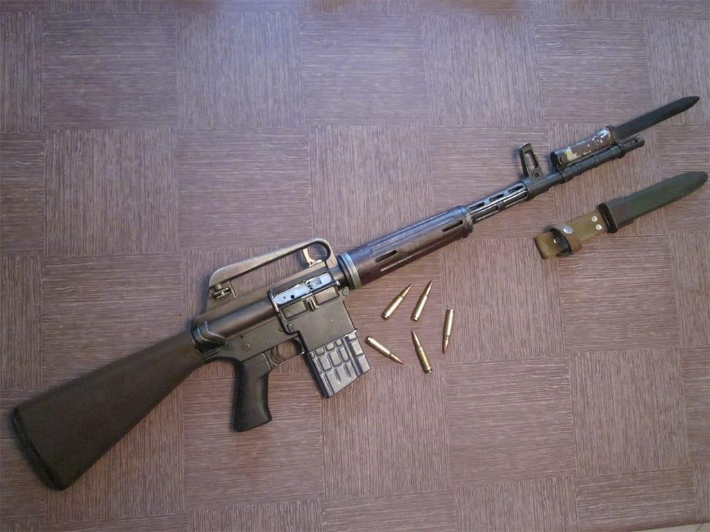 بندقية AR-15 الأمريكية.